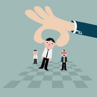 Mon employeur me demande de changer de poste : Ai-je le droit de refuser ? Par Maître SHIRKHANLOO Avocat en droit du Travail